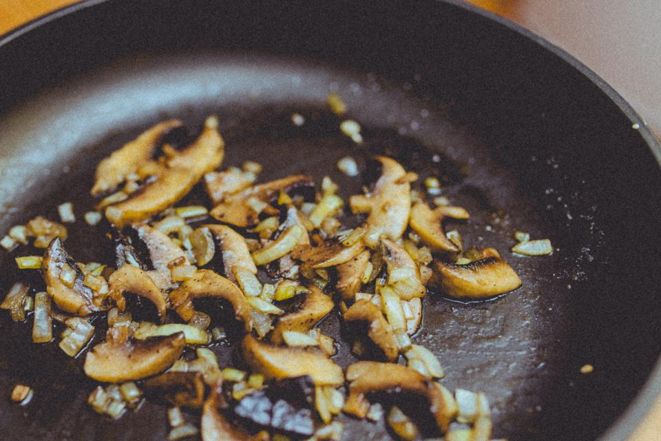mushrooms-and-onions